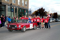 2016 10 21 AR Bellaire Homecoming Parade with football players IMG_7834