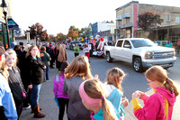 2016 10 21 AR Bellaire Homecoming Parade with people IMG_7807